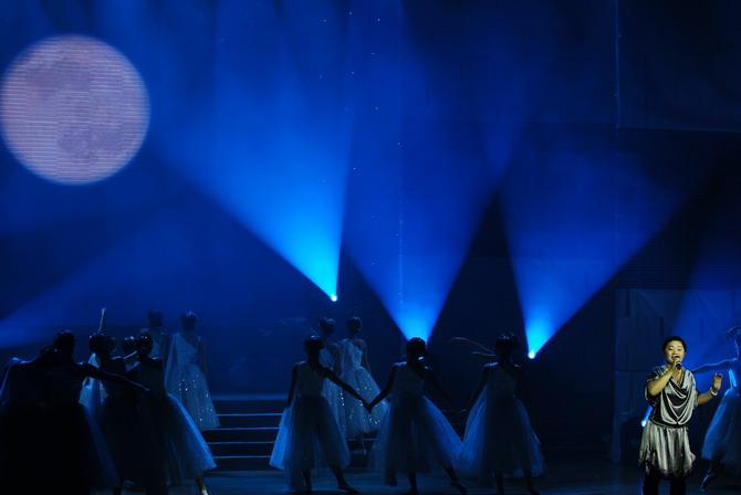 二胡独奏:贺昀   河北省歌舞剧院