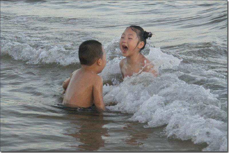 就是现在歌谱刀郎-浪声是乐谱 笑声是歌词 用力的喊叫-童真飞扬 海边戏水