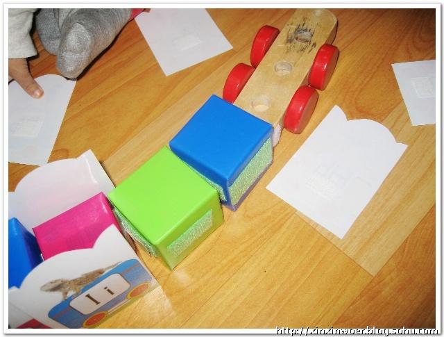 纸箱做玩具火车图片