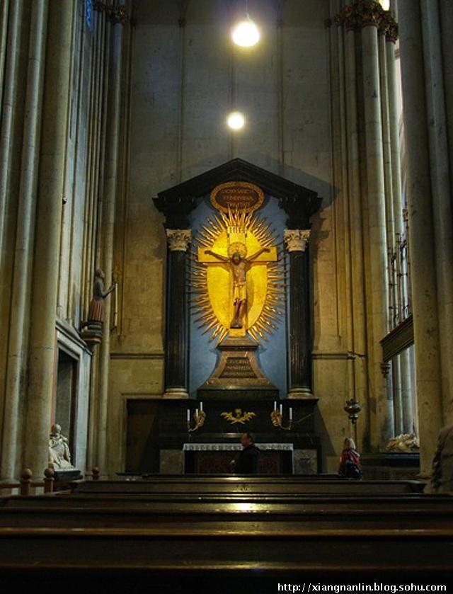 雄伟的科隆大教堂,绚丽的彩色玻璃画