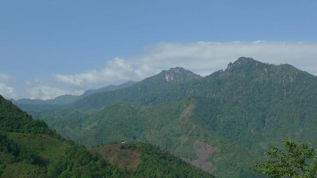 缅甸大山风景图片