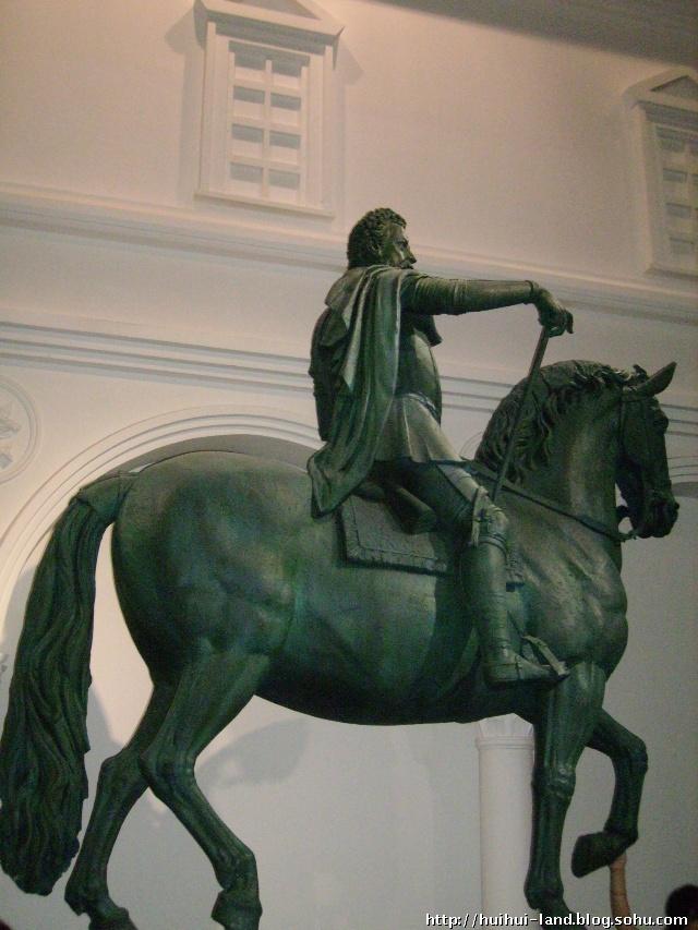 米开朗基罗 骑士雕塑