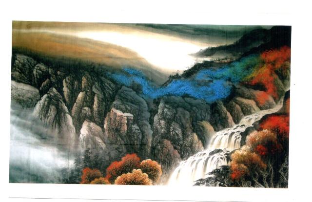 创造中国画新的意境和新的风格 ——解读著名画家鸣苑的绘画艺术及其成就 著名美术评论家 张 弛 我们的时代需要能集大成的全方位艺术家。 著名画家呜苑擅诗词、书法,更擅中国画鱼龙虎。有人说,中国的花鸟画已经发展到极致了,诸如白石老人画虾,悲鸿大师画马等艺术大师均己构筑了一座又一座难以愈越的高峰。但是,鸣苑画鱼却是集大成的——她创造了一个完全属于自己的、独树一枝的绘画艺术风格。 我理解的集大成的艺术家是学贯中西,能够创作出内涵丰厚和艺术精湛完美结合的作品。 绘画最