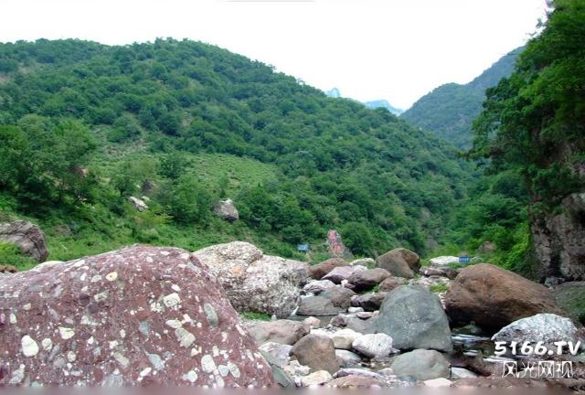 旅游风光: 九里沟风景区 石人山风光