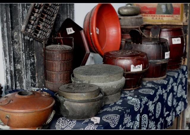 古木制米桶图片