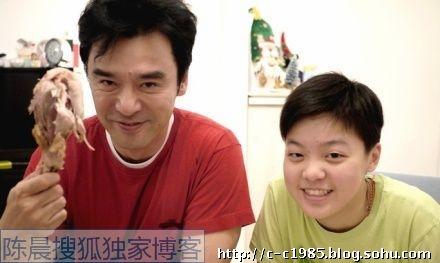 范姜的3个女儿可爱生活近照曝光
