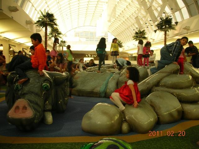 达拉斯商业区的软性儿童游乐场